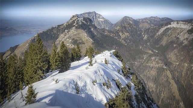 _DSC31521 On Mt. Eibenberg with the view to the striking Mount Traunstein - Salzkammergut / Upper-Austria