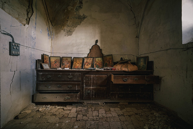 Capilla abandonada/Abandoned chapel.