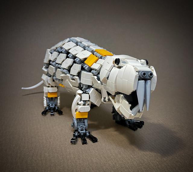 LEGO-Mecha-Heterocephalus-glaber_02