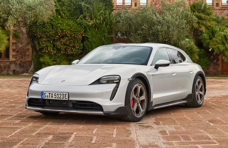 Porsche-Taycan-Cross-Turismo (6)