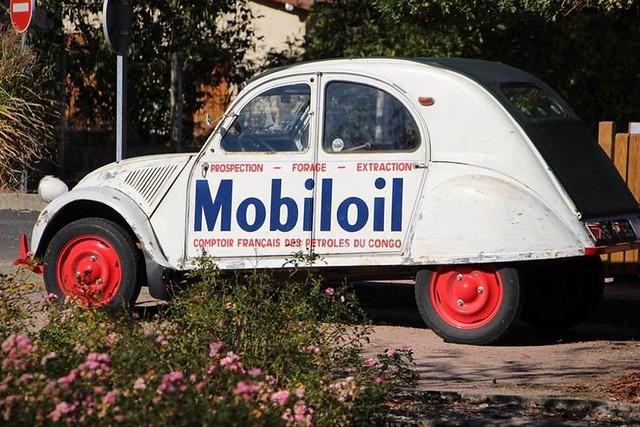 Citroën 2CV Mobiloil