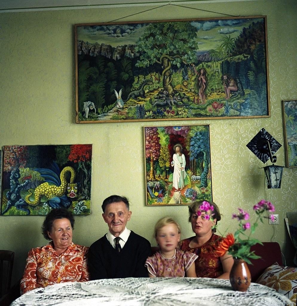 Teofil Ociepka with his family, 1973, photo by Janusz Rosikoń