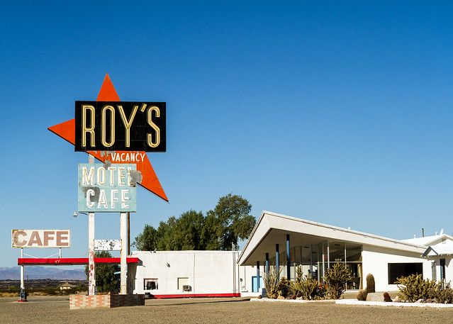Roy's Motel & Cafe sign California