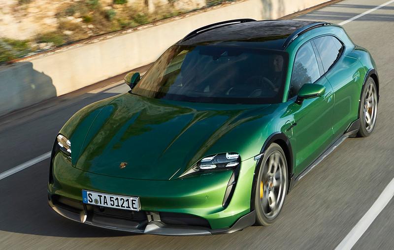 Porsche-Taycan-Cross-Turismo (2)