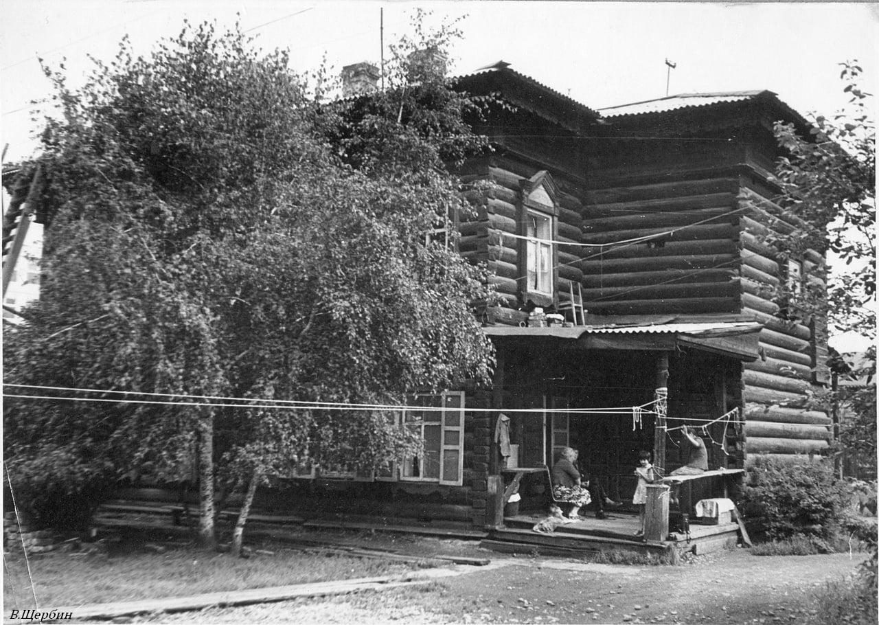 1975.  Дом №25б по улице Партизанской.