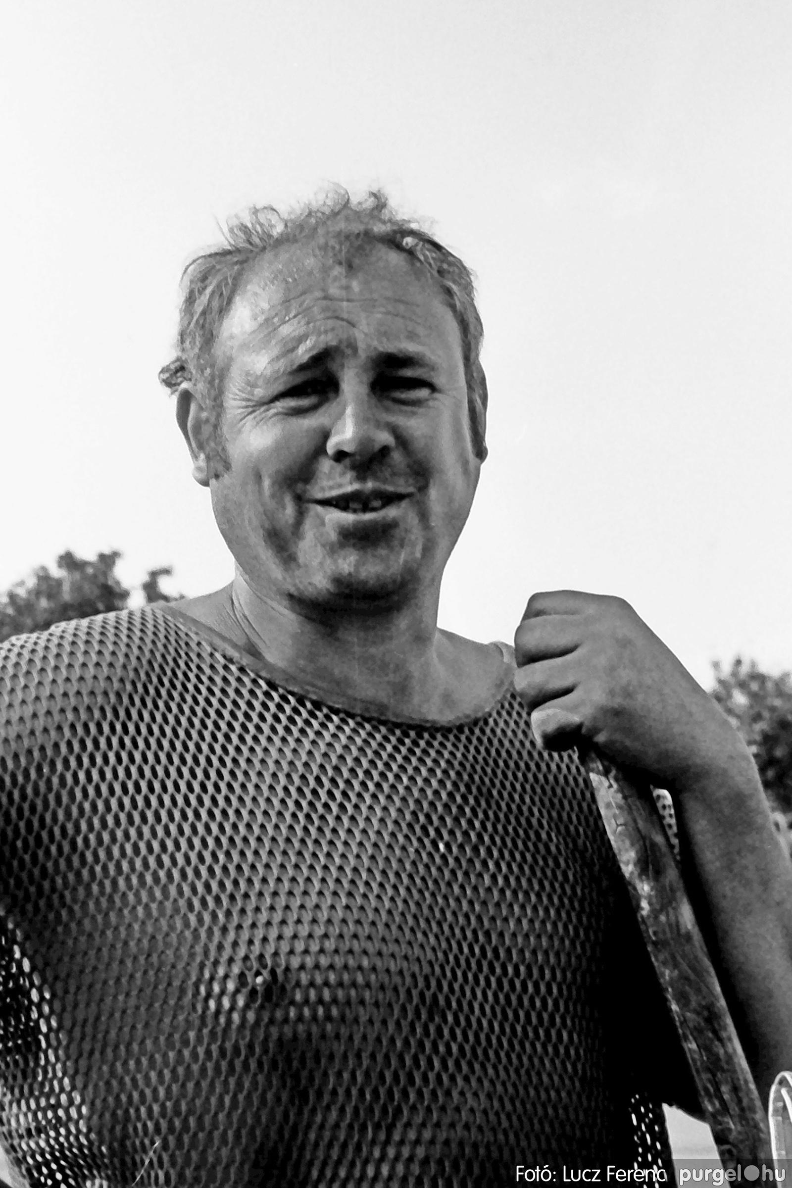 048, 051. 1976. Társadalmi munka 048. - Fotó: Lucz Ferenc.jpg