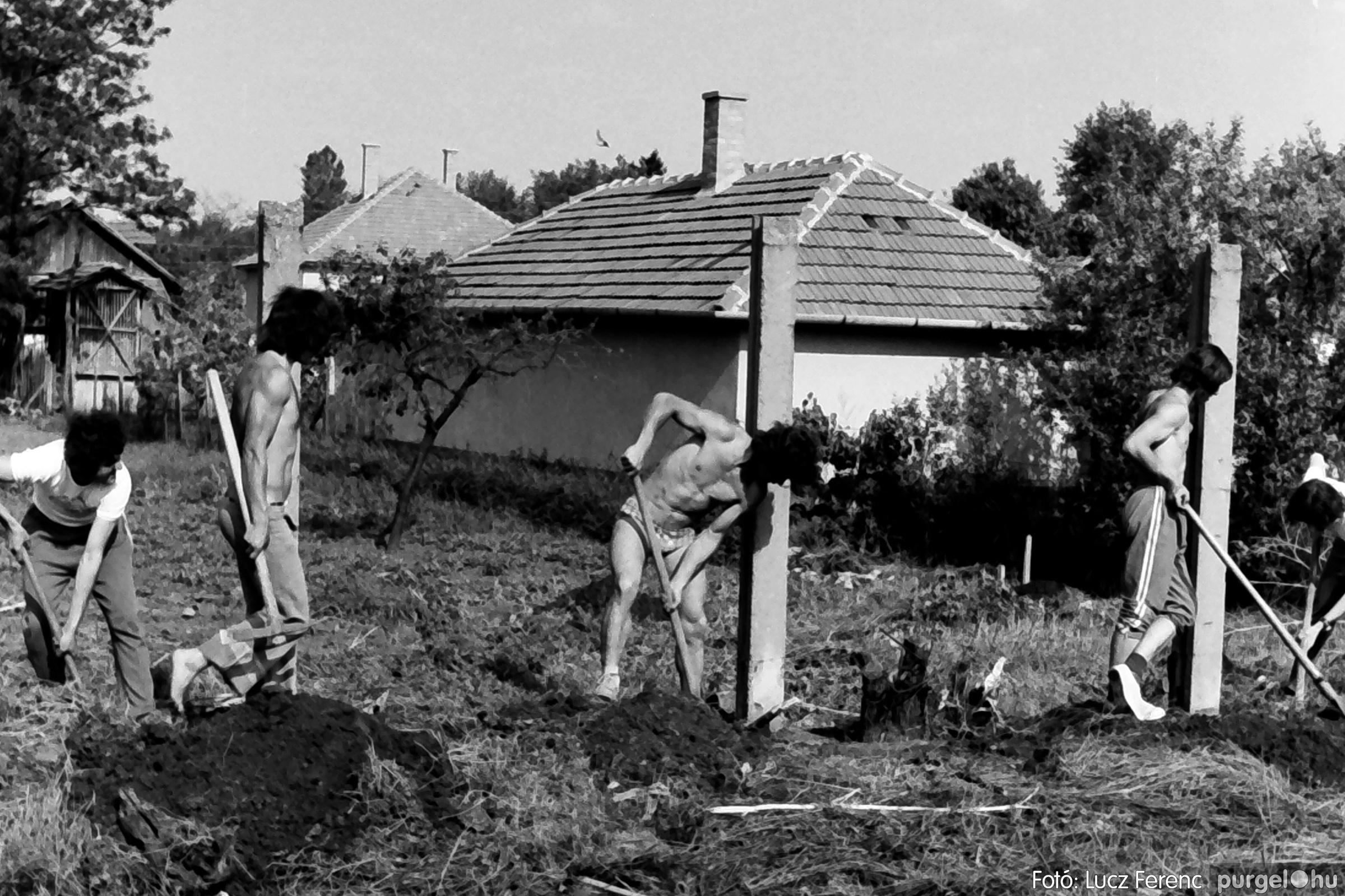 048, 051. 1976. Társadalmi munka 006. - Fotó: Lucz Ferenc.jpg