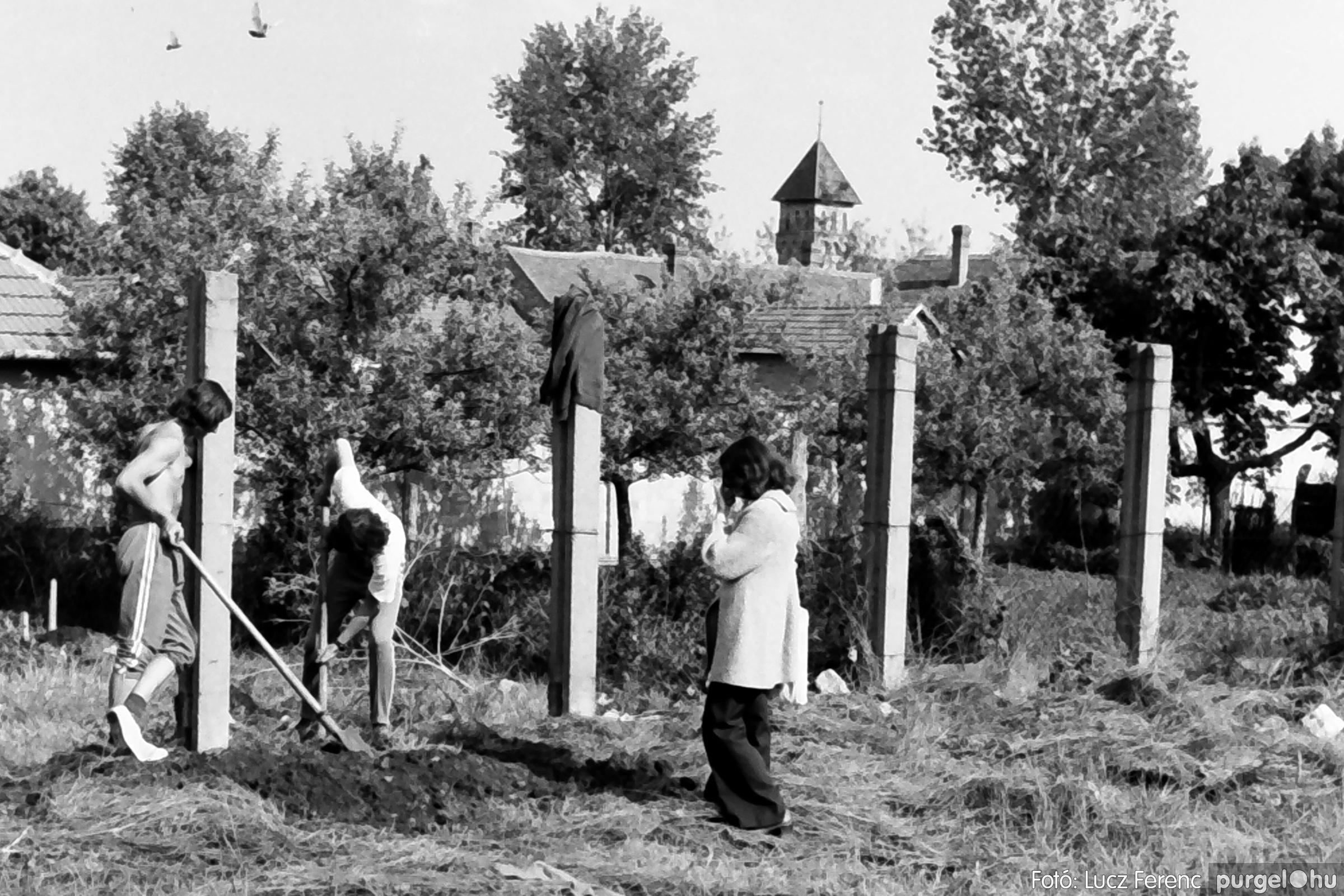 048, 051. 1976. Társadalmi munka 004. - Fotó: Lucz Ferenc.jpg