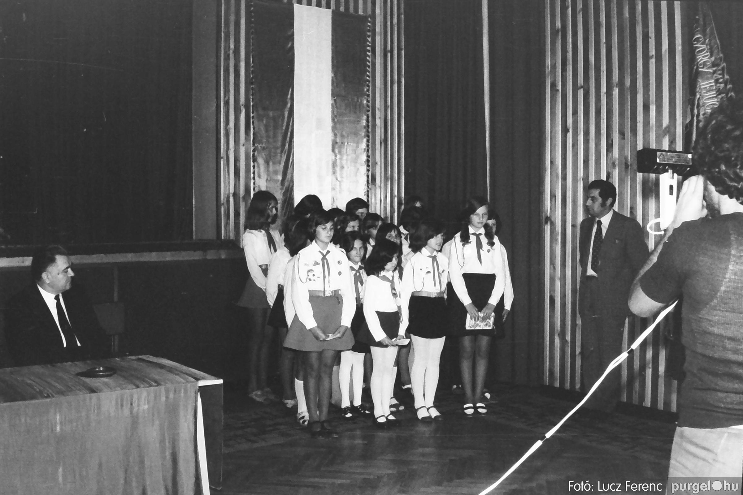 053. 1976. Ünnepi ülés 010. - Fotó: Lucz Ferenc.jpg