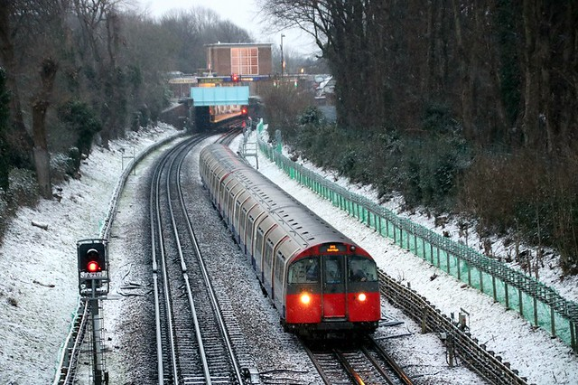 Piccadilly Leaving Eastcote In The Snow
