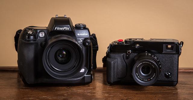 Duel // FinePix S3 Pro (2004) / Fujifilm X-Pro1 (2012)