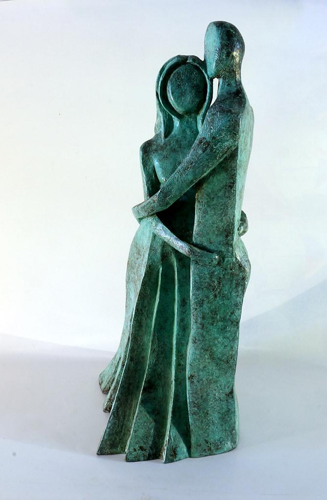 זוג גבר אישה פסל ברונזה יוצרת מודרנית rachel frank רחל פרנק פסלת ישראלית