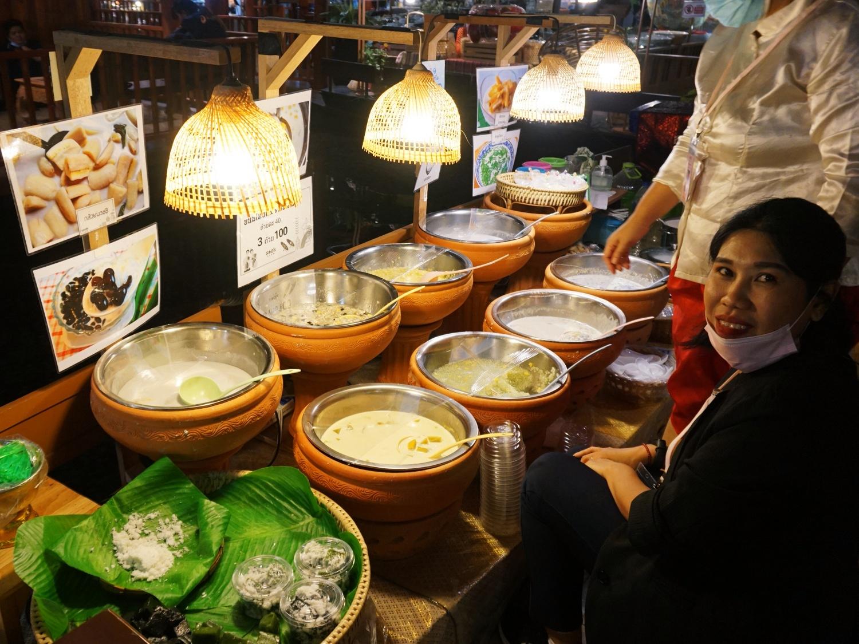 Iconsiam Bangkok floating market