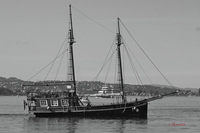 Navegando en Oslo IMG_5434bn