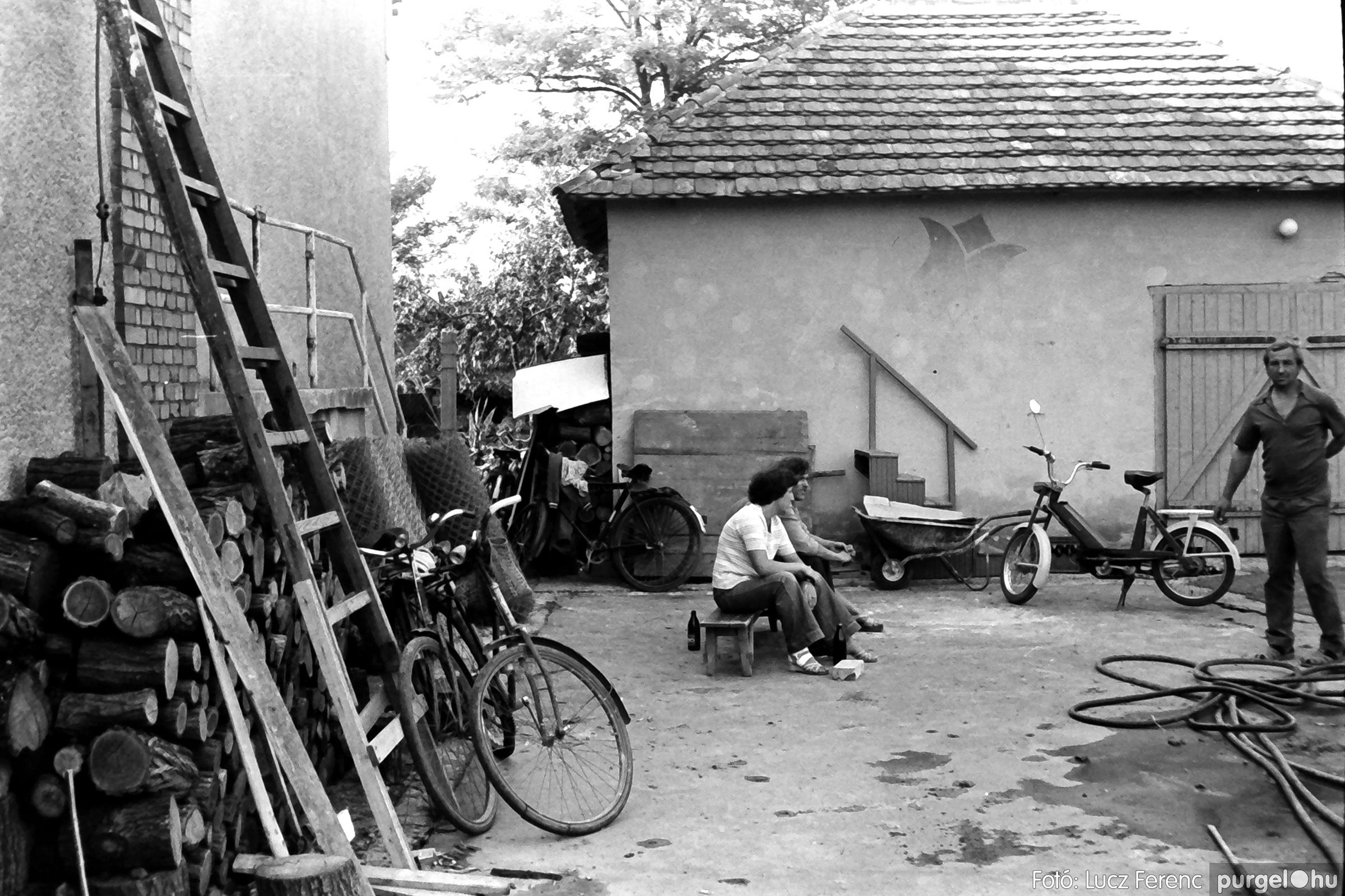 048, 051. 1976. Társadalmi munka 028. - Fotó: Lucz Ferenc.jpg
