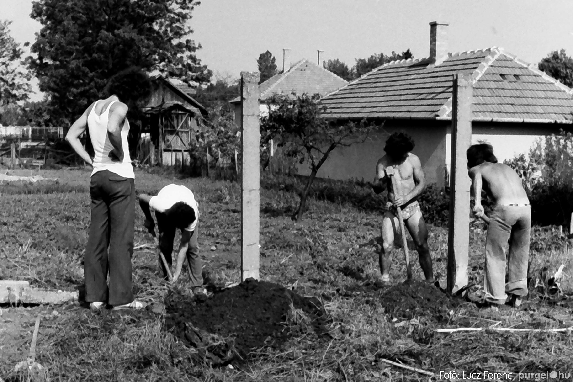 048, 051. 1976. Társadalmi munka 009. - Fotó: Lucz Ferenc.jpg