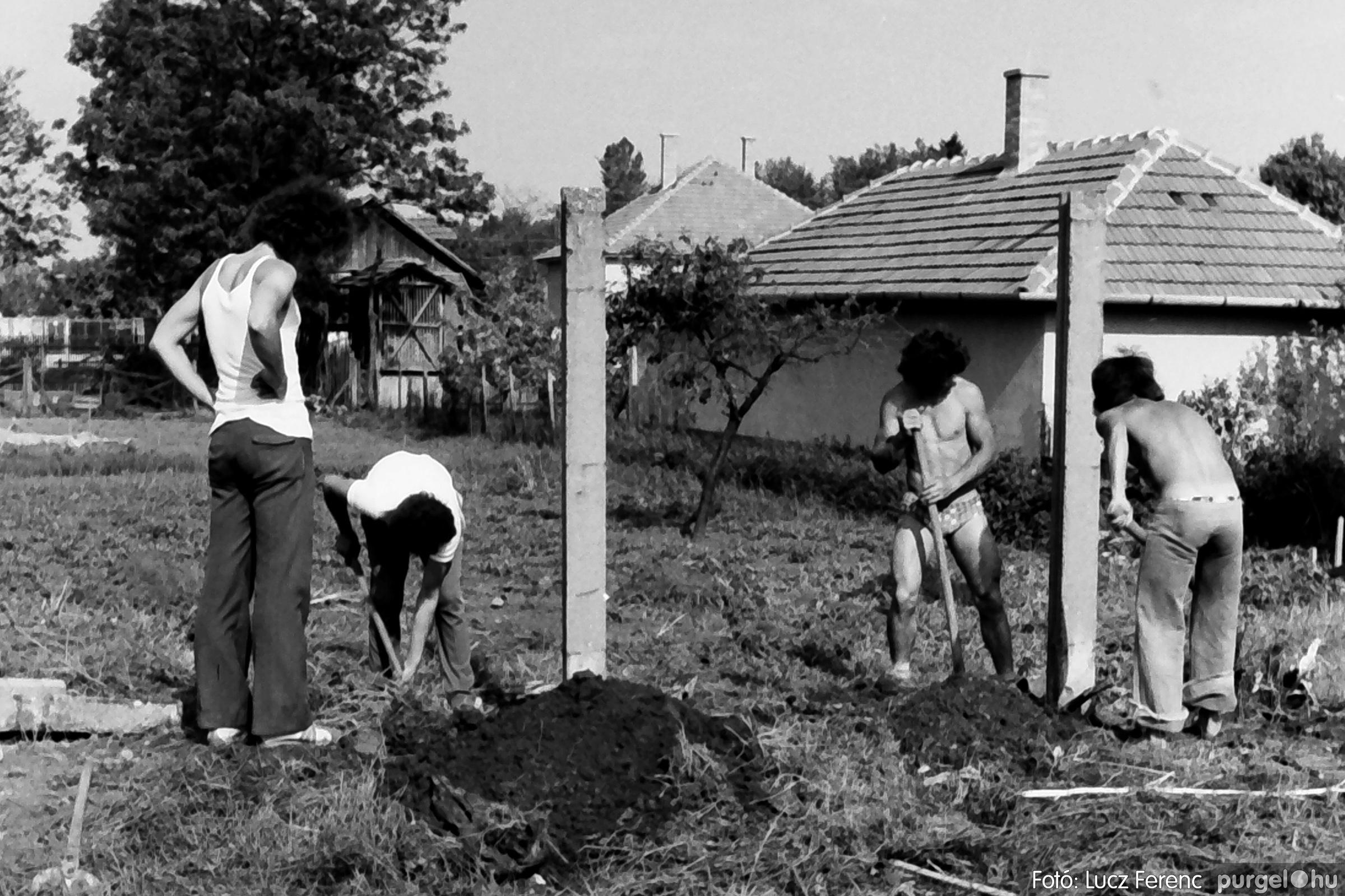 048, 051. 1976. Társadalmi munka 008. - Fotó: Lucz Ferenc.jpg