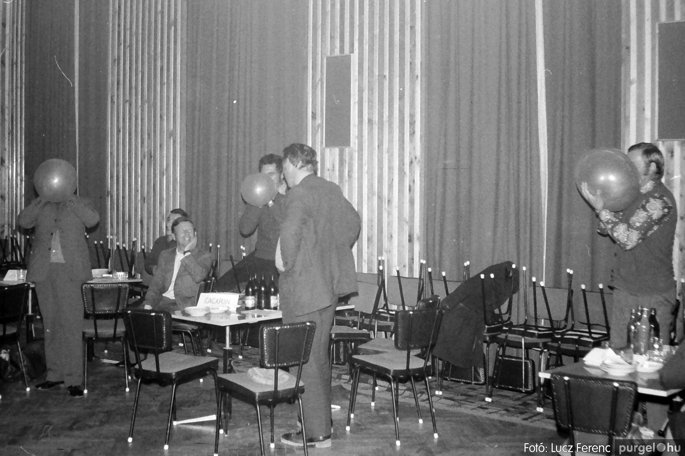 061, 063. 1976. Puskin TSZ szocialista brigádverseny 024. - Fotó: Lucz Ferenc.jpg