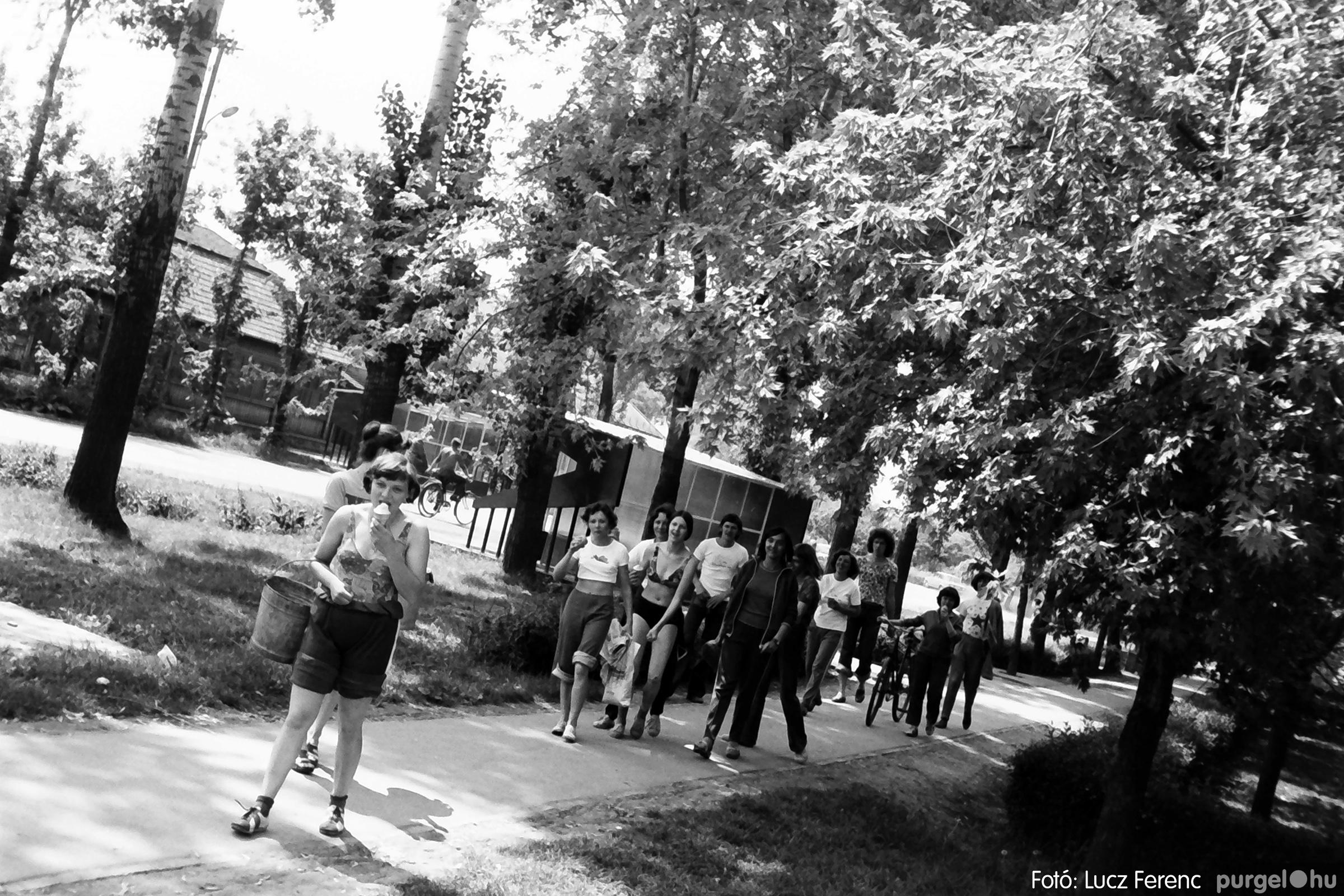 048, 051. 1976. Társadalmi munka 021. - Fotó: Lucz Ferenc.jpg