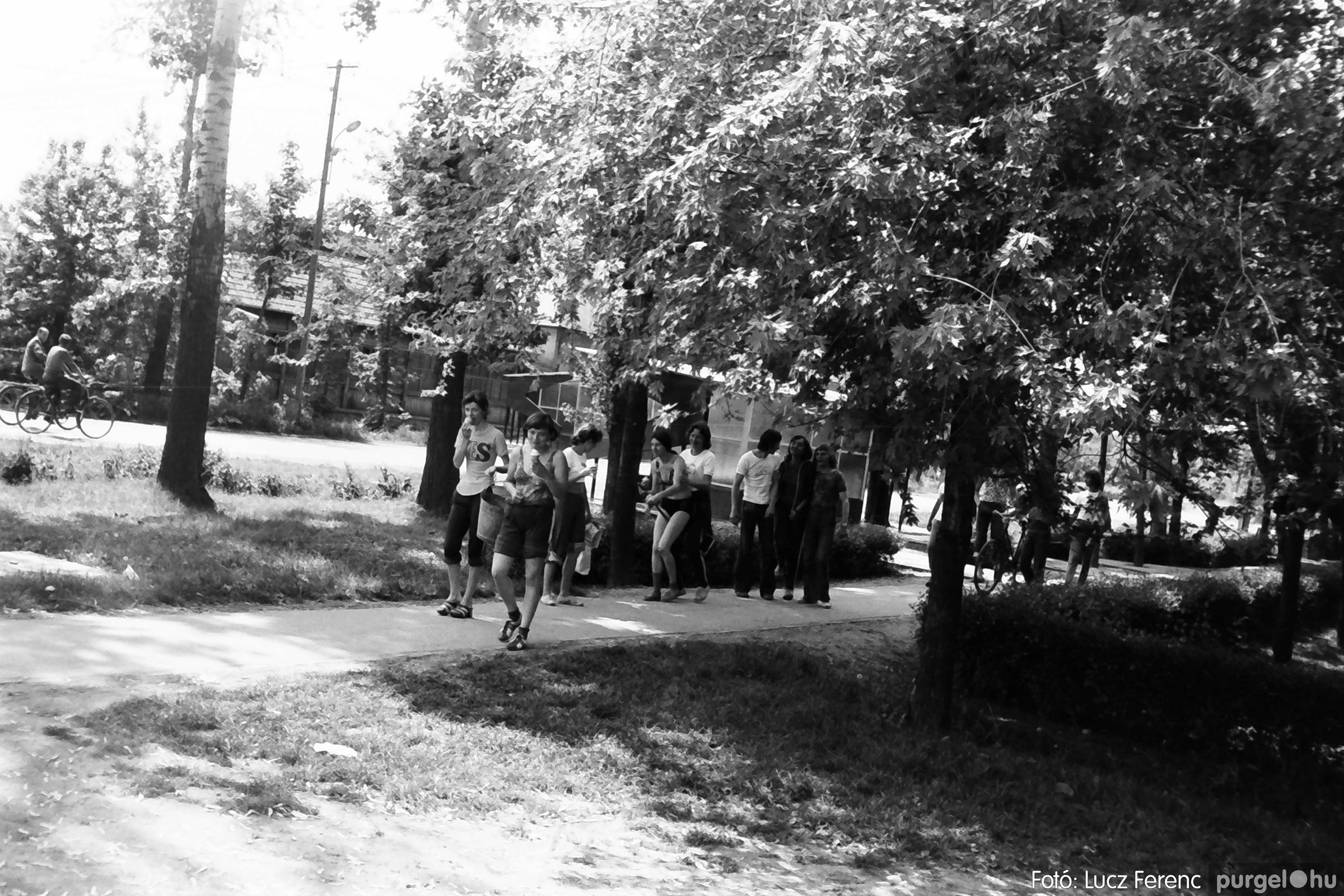 048, 051. 1976. Társadalmi munka 020. - Fotó: Lucz Ferenc.jpg