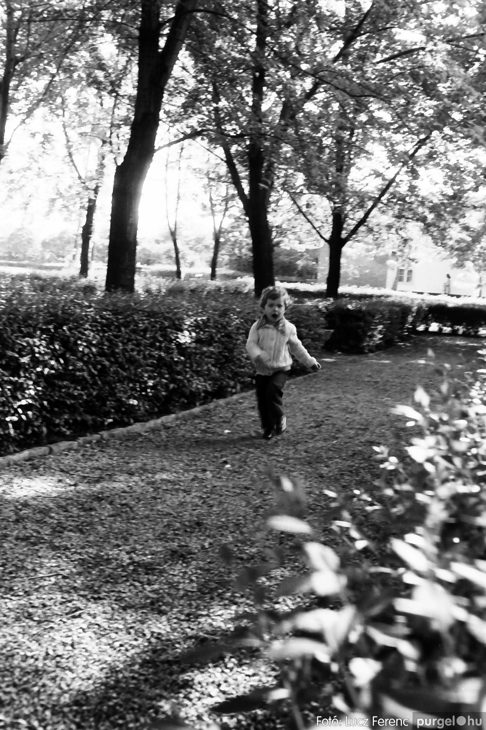 048, 051. 1976. Társadalmi munka 018. - Fotó: Lucz Ferenc.jpg