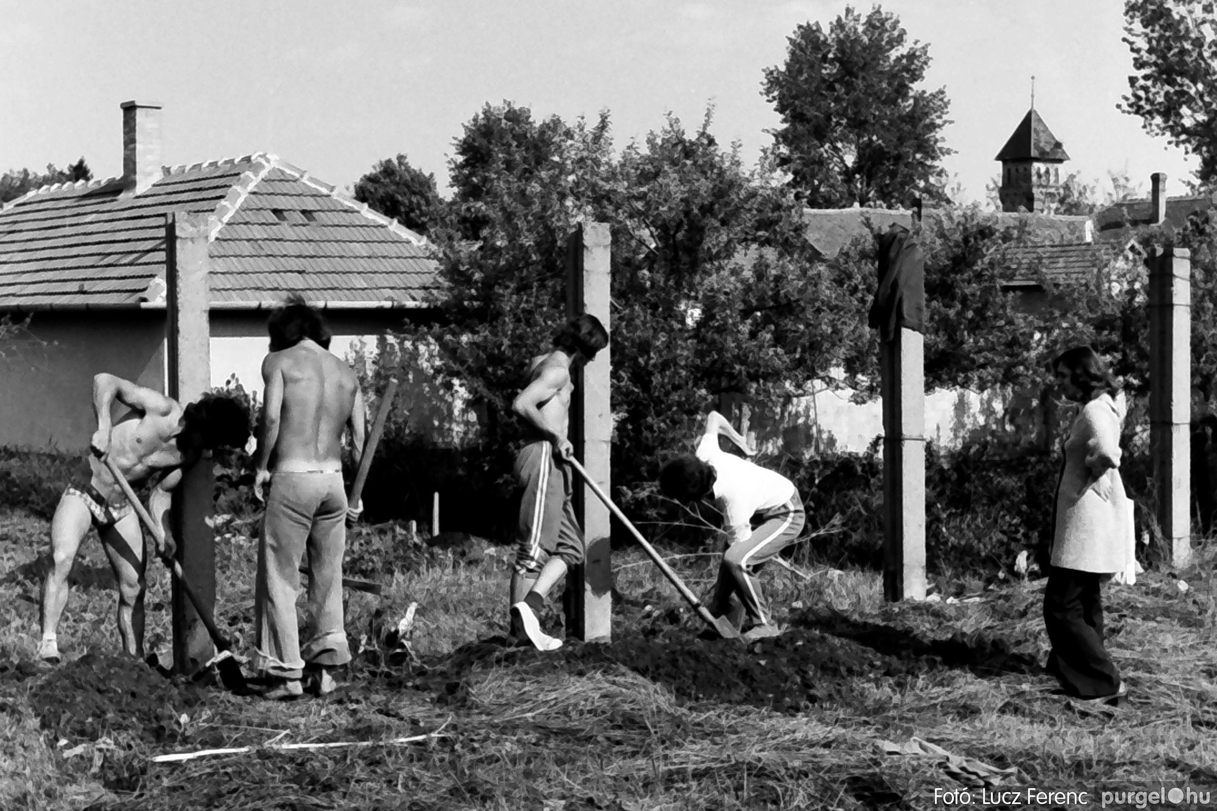 048, 051. 1976. Társadalmi munka 007. - Fotó: Lucz Ferenc.jpg