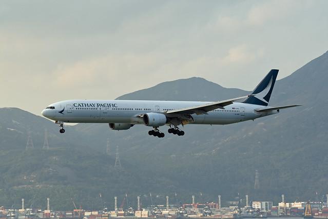 Cathay Pacific Airways Boeing 777-367 B-HNP