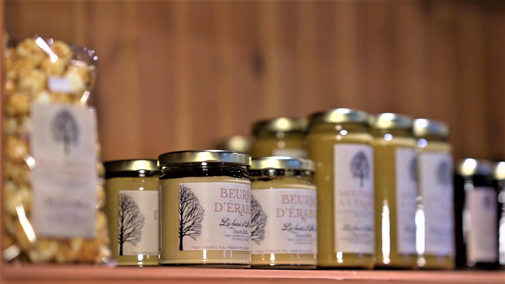 Produits locaux et de l'érable disponible à la boutique de l'Éco-café