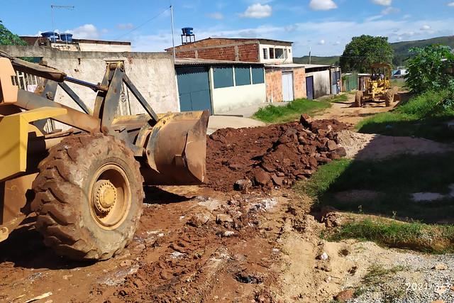 Comunidade de Água Quente ganha rede de drenagem