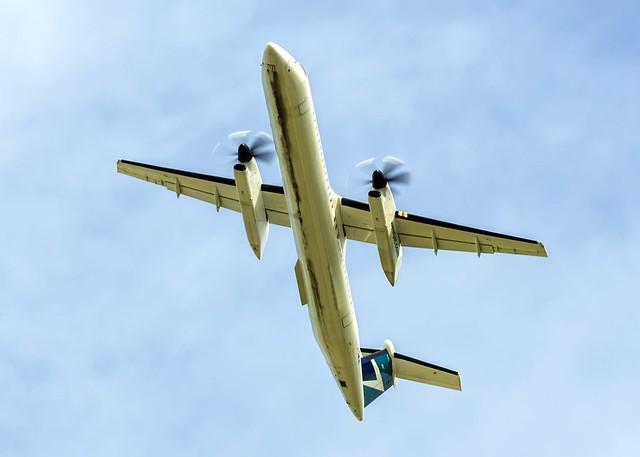 WestJet Dash 8 Q400