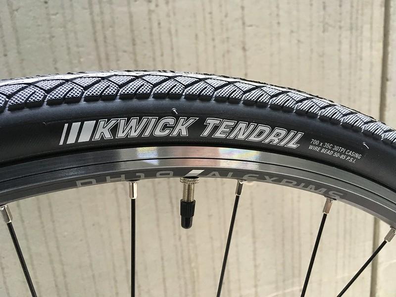 SURLY Cross Check LV Flat Tire