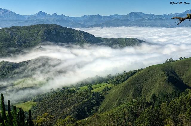 Desde el mirador del Fitu (Asturias)