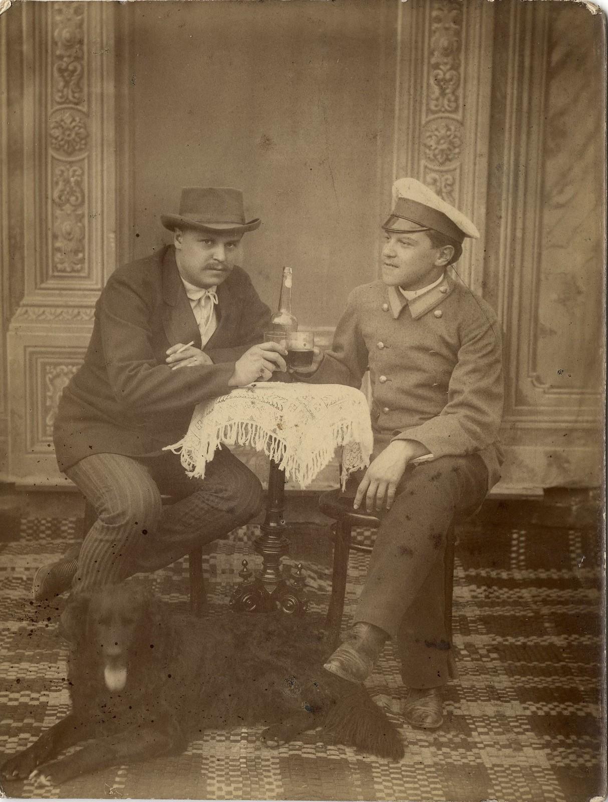 1910. Купец Белоголовый Иван Аполлонович с братом