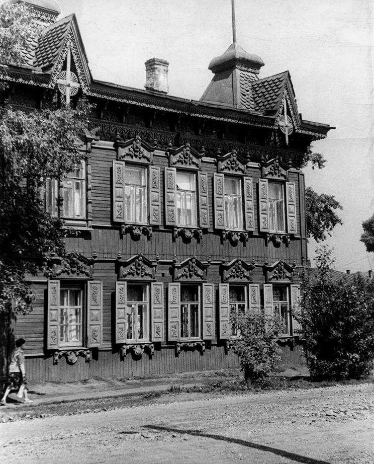 Деревянный дом на улице Фридриха Энгельса (дом Шастиных)