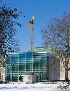 RWE Pavillon (Philharmonic Essen) and a crane