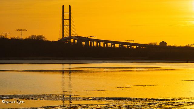 Insel Rügen - Rügenbrücke im Abendlicht