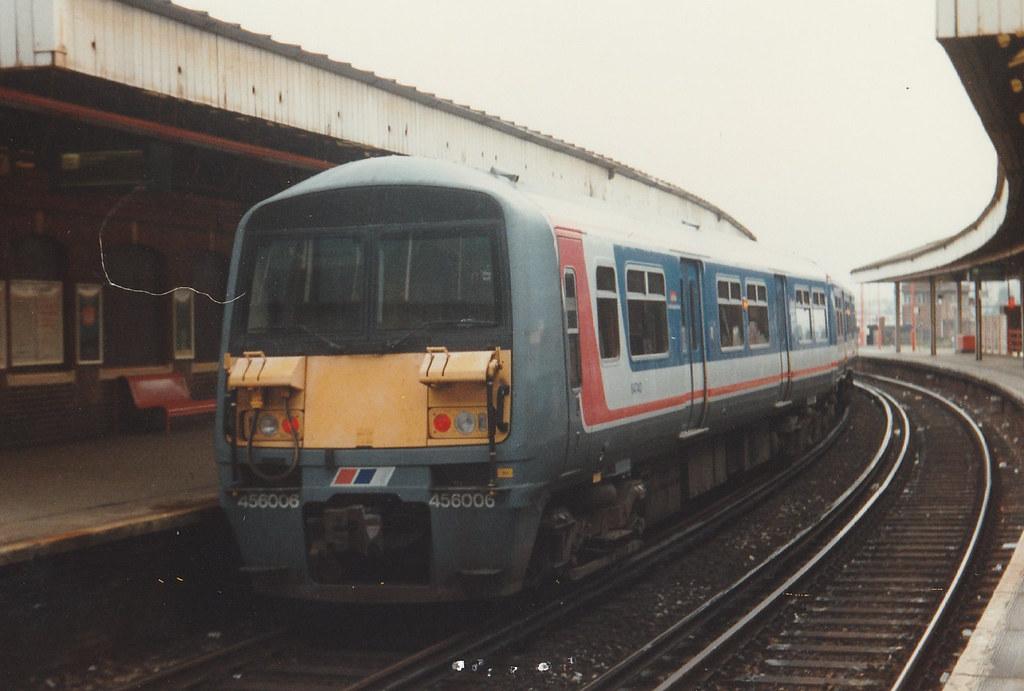 456 006 leaving Clapham Junction for London Victoria