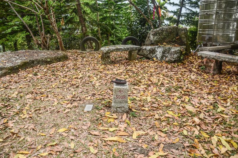 牛轀轆山三等三角點(# 5008 Elev. 754 m) (1)
