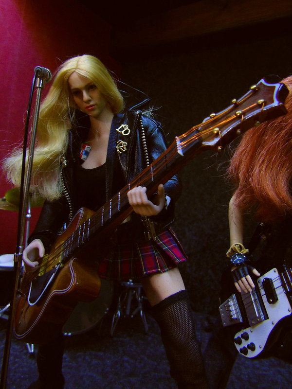 Faithless Angels - Page 2 51008864911_4b4fac140f_c