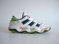 1998 VINTAGE ADIDAS FEET YOU WEAR SPORT SHOES