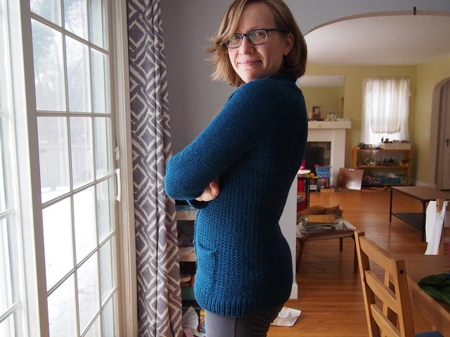 Farmhouse cardigan (with back decreases for curve-hugging)