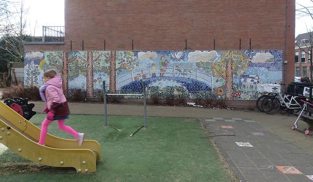 Mural in Delft/ Muur, speelplek in Delft