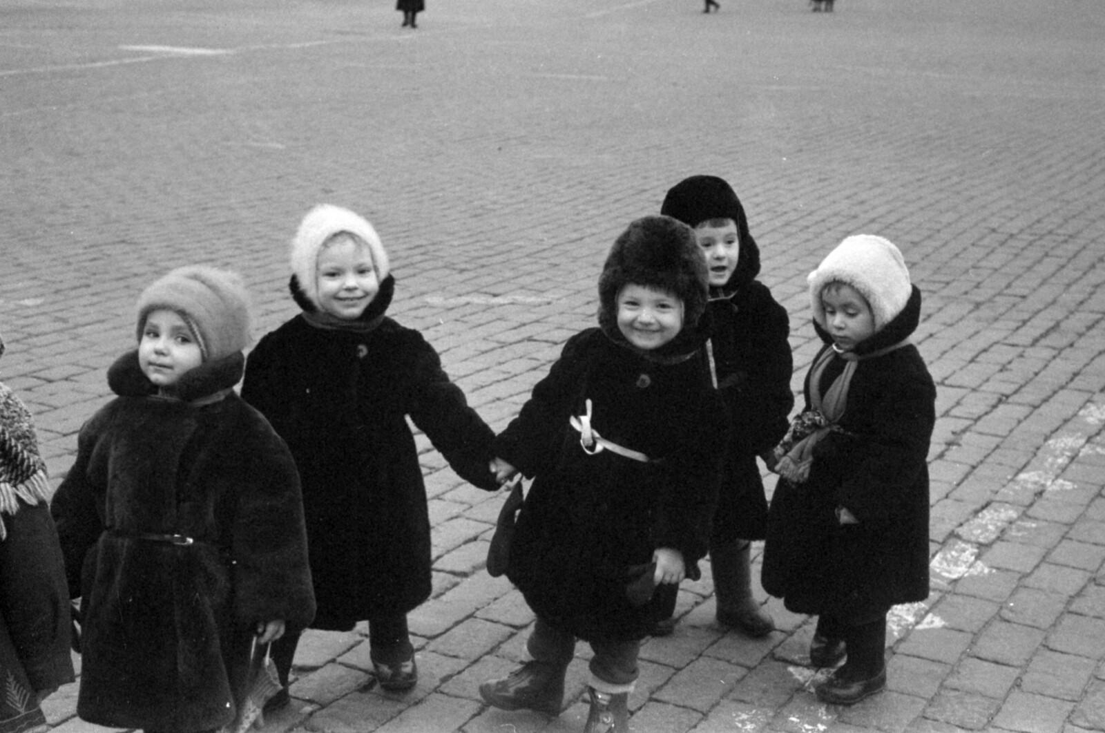 27. Дети на Красной площади