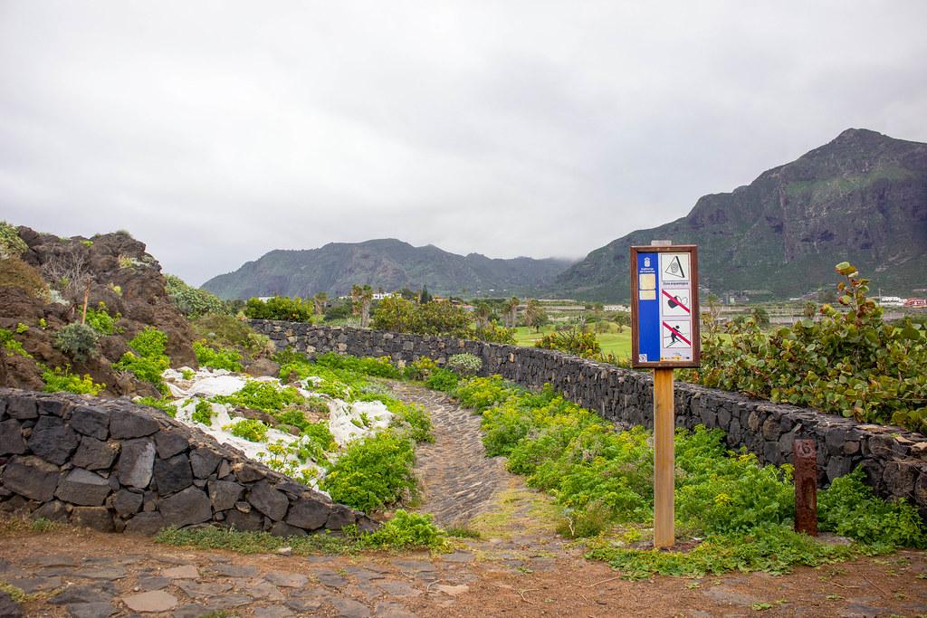Restos arqueológicos en el sendero costero de Buenavista del Norte