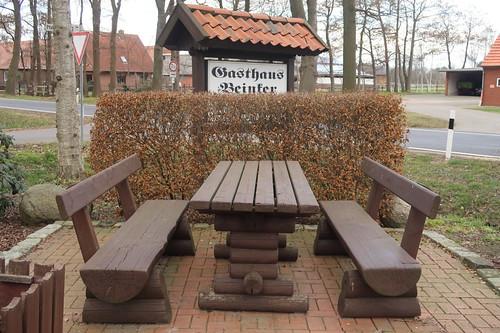 """Rastplatz am Parkplatz des Rundwanderweges """"TERRA.track Venner Moorpfad"""""""