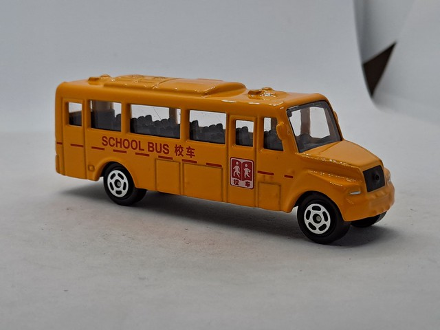 DOUBLE HORSES YUTONG CHINESE SCHOOL BUS 1/64