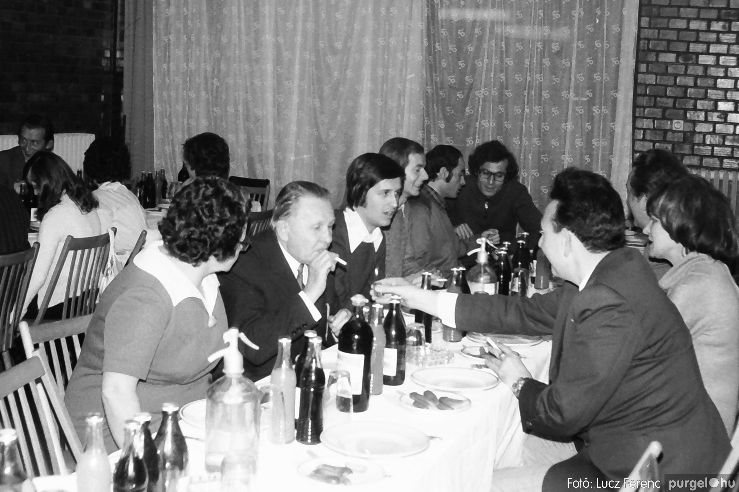 066-067. 1976. A Herkulesfürdői emlék című film ősbemutatója Szegváron 021. - Fotó: Lucz Ferenc.jpg