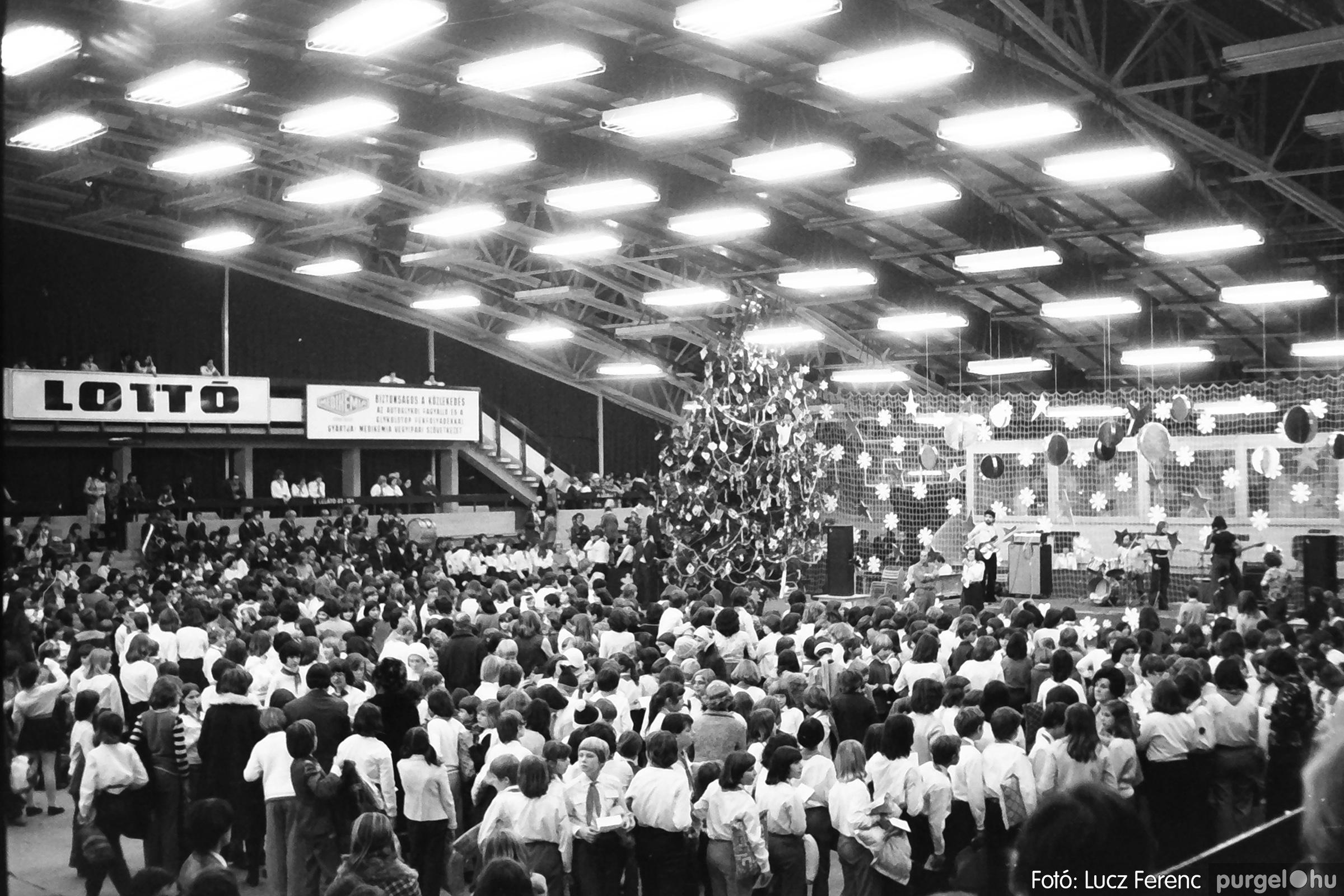 067-068. 1976. Úttörőkarácsony Szegeden 027. - Fotó: Lucz Ferenc.jpg