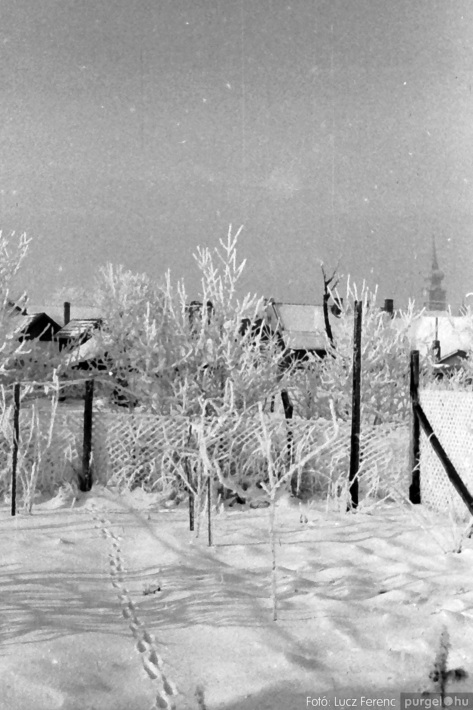 070. 1976.12.31. Szilveszter a kultúrházban 026. - Fotó: Lucz Ferenc.jpg