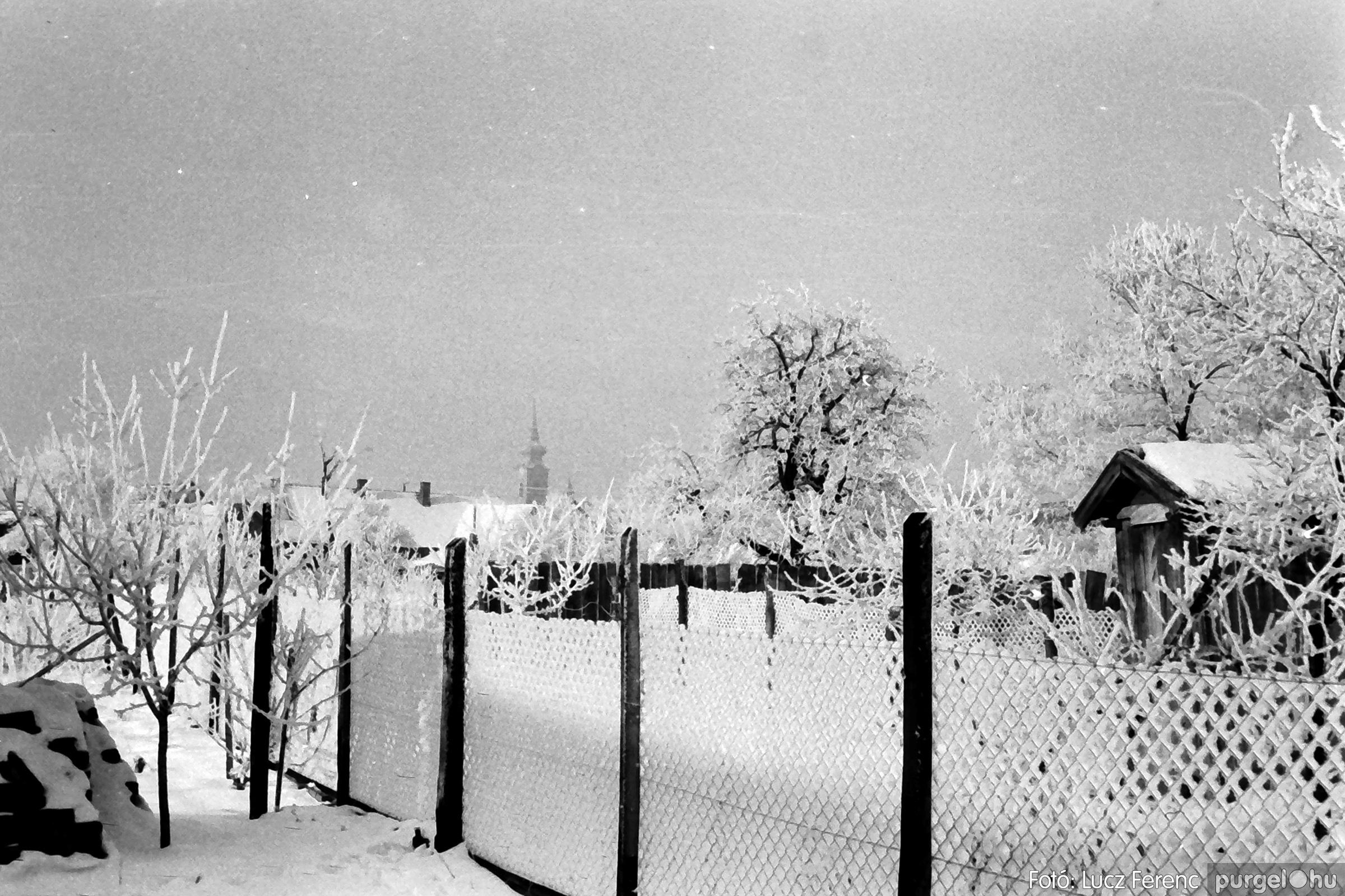 070. 1976.12.31. Szilveszter a kultúrházban 024. - Fotó: Lucz Ferenc.jpg